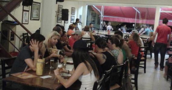 O Alemão Bar embala o domingo ao som de muito pagode Eventos BaresSP 570x300 imagem