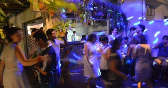 Festa sazonal Refrescália acontece neste domingo no Ô de Casa Hostel Eventos BaresSP 570x300 imagem