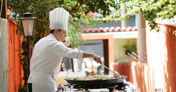 Paellas Pepe mostra o preparo ao vivo e artesanal da famosa Paella espanhola Eventos BaresSP 570x300 imagem