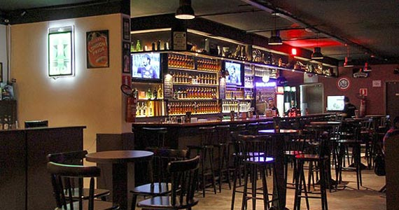 Episódios Perdidos se apresentam com os grandes clássicos do rock'n'roll no palco do Partisans Pub Eventos BaresSP 570x300 imagem