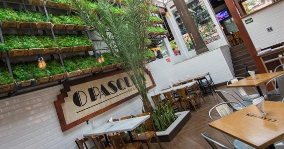 Piano Pop Jazz agita a noite da galera presente no Pasquim Bar & Prosa Eventos BaresSP 570x300 imagem