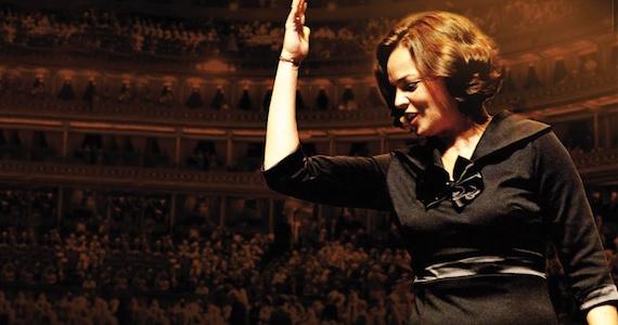 Anne Carrere homenageia Edith Piaf em Piaf - O Show no Teatro Bradesco Eventos BaresSP 570x300 imagem