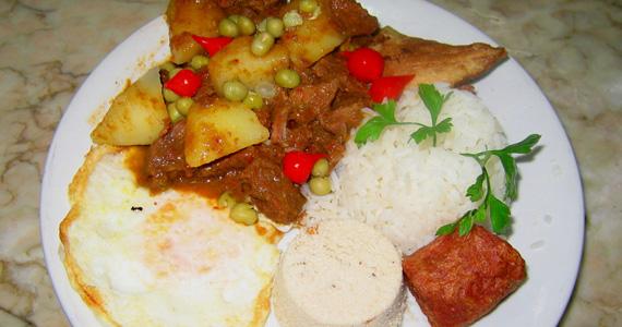 Sábado com feijoada e Picadinho como sugestão de almoço no Elidio Bar Eventos BaresSP 570x300 imagem