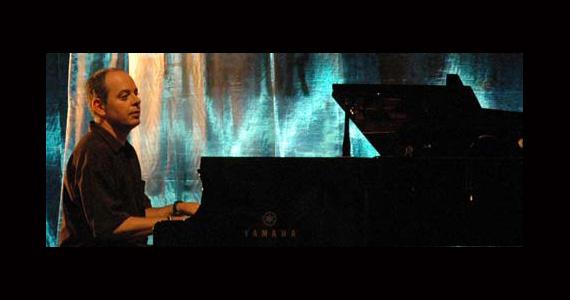 Apresentação de Beba Zanettini no palco do Sesc Pinheiros  Eventos BaresSP 570x300 imagem
