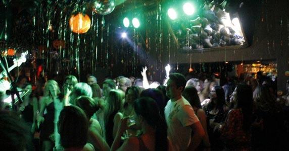 Os sucessos da cantora Francine no palco do Piove Eventos BaresSP 570x300 imagem