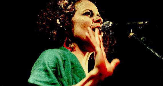 Cantora Valéria Soares embala a noite de terça-feira no Piove Eventos BaresSP 570x300 imagem