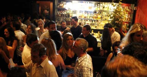 Piove recebe a cantora Francine e outros convidados com muito pop rock Eventos BaresSP 570x300 imagem