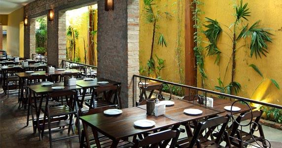 Noite Pay Per Riu com muito humor na terça-feira no Quintal do Espeto Eventos BaresSP 570x300 imagem