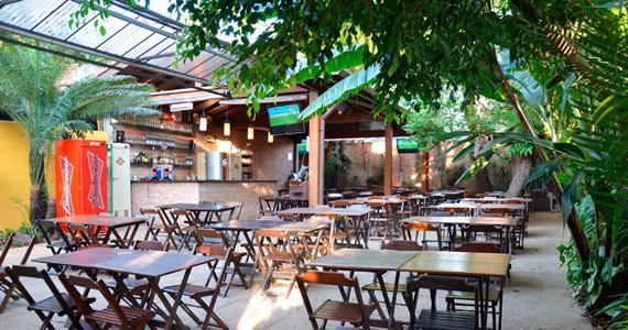 Quintal do Espeto Moema oferece happy hour com muitas variedades de petiscos e bebidas na quarta-feira Eventos BaresSP 570x300 imagem