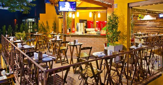 Quintal do Espeto Pavão oferece MPB Ao Vivo todos os dias para animar o público Eventos BaresSP 570x300 imagem