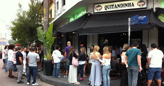 Aniversário de 23 anos do Bar Quitandinha com DJs convidados agitando o sábado Eventos BaresSP 570x300 imagem