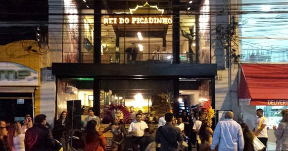 Rei do Picadinho recebe a escola de samba Vai Vai agitando o happy hour Eventos BaresSP 570x300 imagem