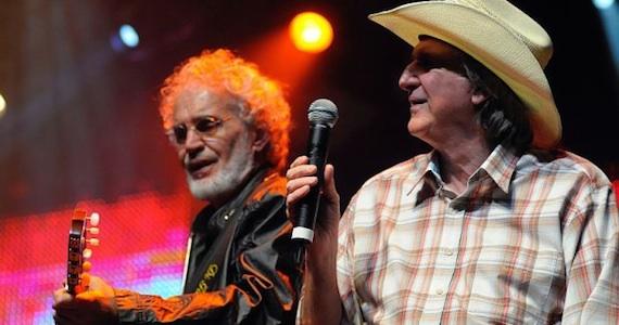 Renato Teixeira e Sérgio Reis apresentam o show Amizades Sinceras II no Teatro Bradesco Eventos BaresSP 570x300 imagem