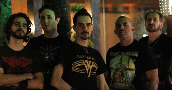 Apresentação da banda Rock Collection no palco do Bar Metrópolis  Eventos BaresSP 570x300 imagem