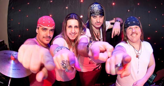 Rolls Rock se apresenta com os grandes cl�ssicos do rock no Bar Charles Edward