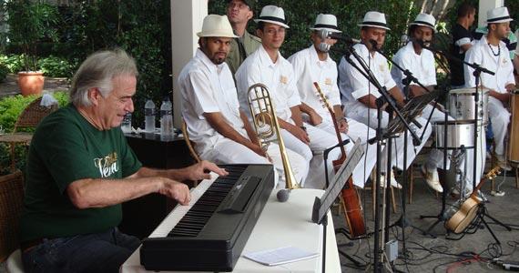 Traço de União recebe show da banda Samba do Baú nesta quinta Eventos BaresSP 570x300 imagem