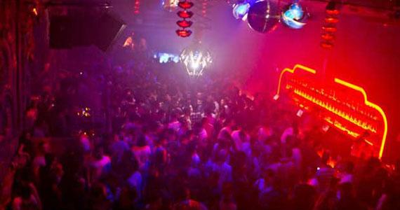 Club Yacht realiza festa em homenagem a grandes ídolos e divas da música pop Eventos BaresSP 570x300 imagem