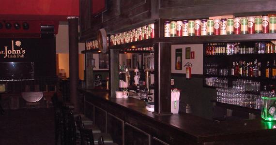 Banda Dirigível Rock se apresenta no palco do St. John's Irish Pub  Eventos BaresSP 570x300 imagem