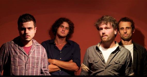 Banda Summer Beats se apresenta no palco do St. George's Pub Eventos BaresSP 570x300 imagem