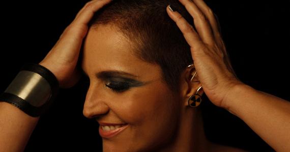 Isabella Taviani apresenta Eu Raio X no Teatro Abril Eventos BaresSP 570x300 imagem