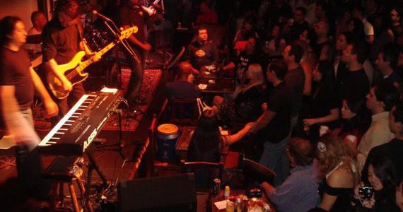Columbia Trio e Nickelback Cover no The Wall Café - Rota do Rock Eventos BaresSP 570x300 imagem