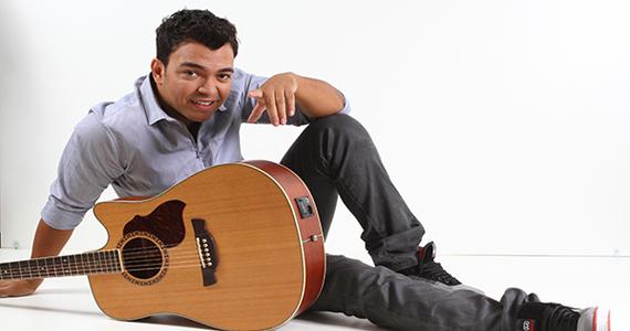 Cantor Thiago Brava se apresenta no Villa Mix nesta quarta-feira Eventos BaresSP 570x300 imagem