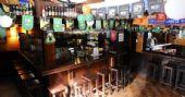 Banda Master Blaster anima o público do The Blue Pub com muita música