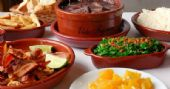 S�bado � dia de Feijoada completa no almo�o do Elidio Bar