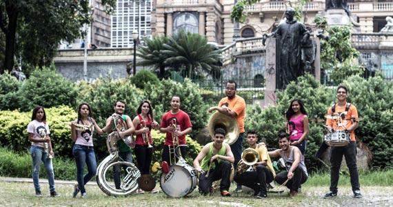 Sesc Música no Mercado realiza show com o grupo Ôncalo interpretando os sucessos de Tim Maia Eventos BaresSP 570x300 imagem