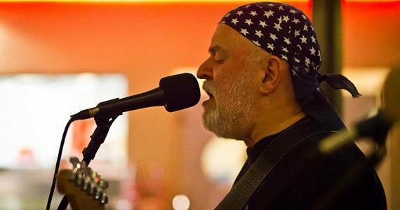 Toninho Ghizzi se apresenta no Piratininga Bar Eventos BaresSP 570x300 imagem