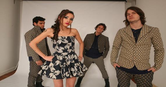 Banda Paris Le Rock, liderada por Lia Paris, se apresenta na festa New Factory no Tonk Club Eventos BaresSP 570x300 imagem