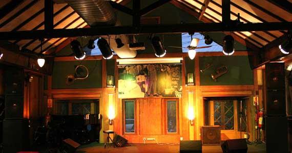 Banda Renegades traz para o palco do Ton Ton os grandes hits do Rage Against the Machine Eventos BaresSP 570x300 imagem