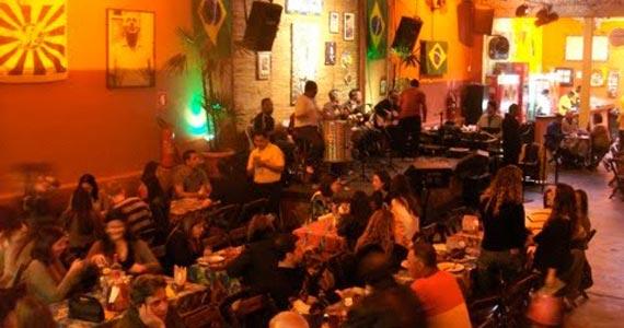 Traço de União no segundo Jogo do Brasil recebe Dayse do Banjo e Convidados Eventos BaresSP 570x300 imagem