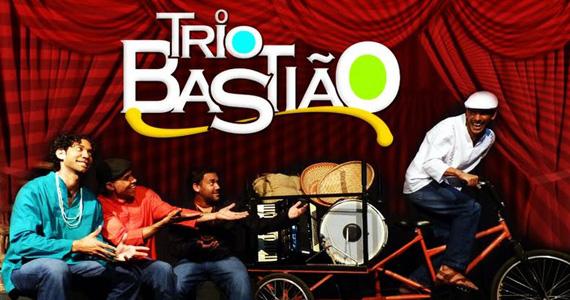 Trio Bastião e Mestrinho se apresentam no palco do Canto da Ema Eventos BaresSP 570x300 imagem