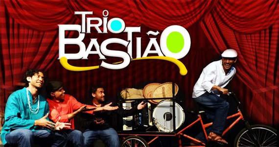 Trio Bastião coloca o público pra dançar forró no Canto da Ema neste sábado Eventos BaresSP 570x300 imagem