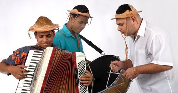 Noite Só Vale se Dançar Forró apresenta a animação do Trio Serelepe no Villa Pizza Bar Eventos BaresSP 570x300 imagem