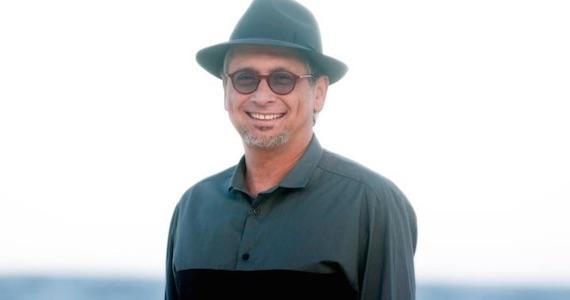 Zé Renato apresenta show em homenagem a Chico Buarque na noite do Tom Jazz Eventos BaresSP 570x300 imagem