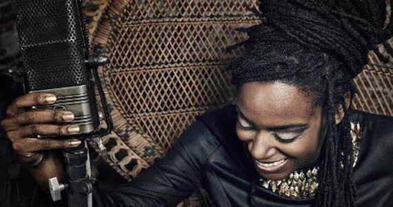 A Referência feminina do hip hop Akua Naru invade o Bourbon Street  Eventos BaresSP 570x300 imagem