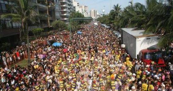 Bloco Carnavalesco Todos Na Contra Mão agita a Rua Dr. Cesar - Santana Eventos BaresSP 570x300 imagem