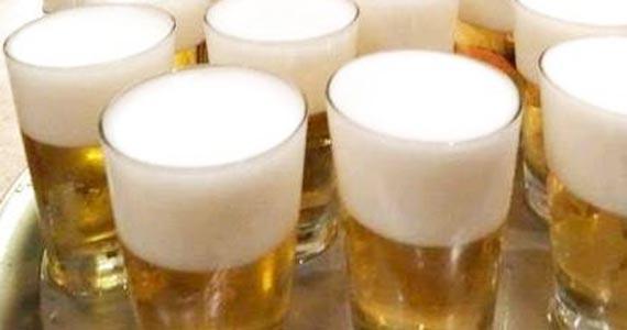 Elidio Bar oferece bandeja de chopps para seus clientes Eventos BaresSP 570x300 imagem