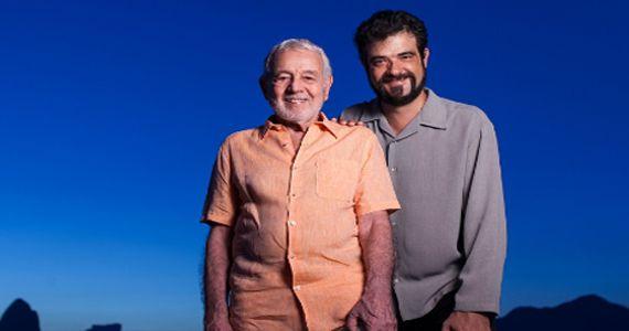 Festejando o aniversário de SP Carlos Lyra e seu sobrinho Claudio trazem clássicos da bossa nova para a Caixa Cultural Eventos BaresSP 570x300 imagem