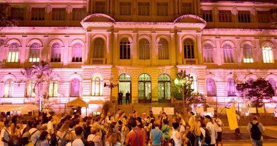 Caminhada Noturna no Centro de São Paulo acontece às quintas no Teatro Municipal de SP Eventos BaresSP 570x300 imagem