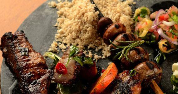 Chef Fábio Vieira celebra 3 anos do Restaurante Micaela com Domingos na Brasa Eventos BaresSP 570x300 imagem