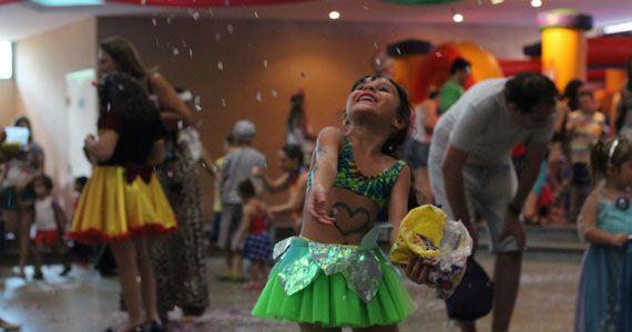 Festa à Fantasia na Folia acontece na terça de carnaval no Clube Esperia Eventos BaresSP 570x300 imagem