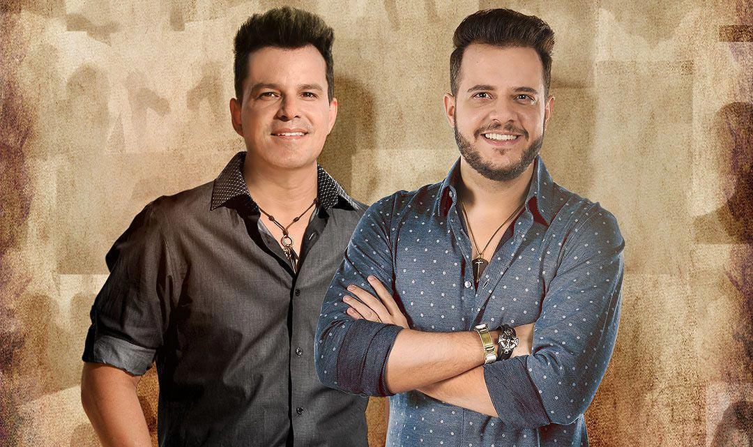 João Neto e Frederico se apresentam no palco da Brook's SP Eventos BaresSP 570x300 imagem