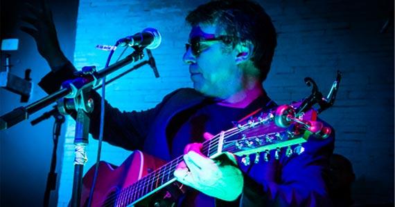 Banda Johnnie Beat apresenta seu rock melódico no palco do Ao Vivo Music Eventos BaresSP 570x300 imagem