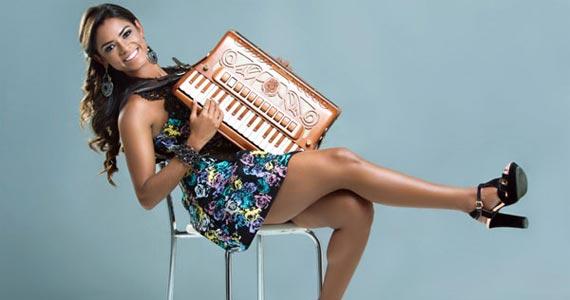 Lucy Alves canta sucessos no Forró no palco do Canto da Ema sábado Eventos BaresSP 570x300 imagem