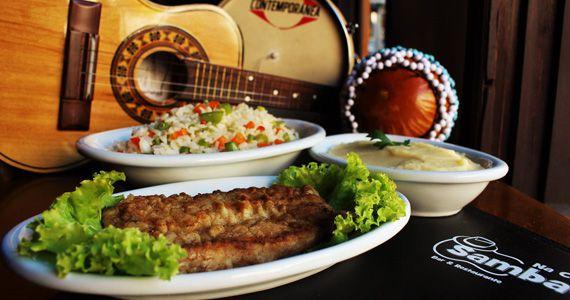 Na Casa do Samba oferece almoço com opções variadas no cardápio Eventos BaresSP 570x300 imagem