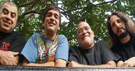 O cantor Paulo Meyer acompanhado da banda The Thunderheads se apresentam no The Blue Pub Eventos BaresSP 570x300 imagem