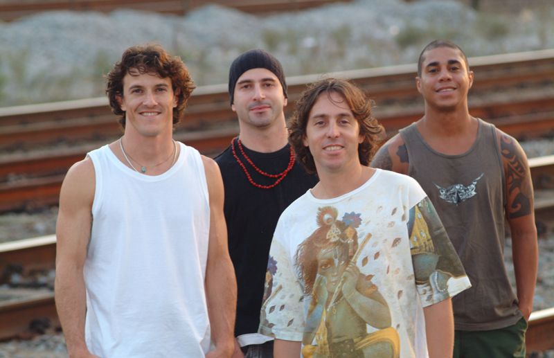 http://www.baressp.com.br/eventos/fotos2/Peixeletrico_cantodaema.jpg